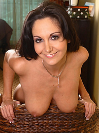 Brunette babe Ava Addams spreads her shaved pussy pictures at kilotop.com