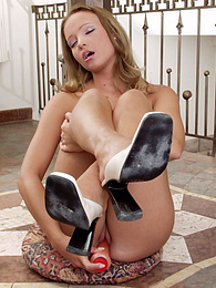 Hot dildo action from sexy blonde Tiffany pictures at find-best-ass.com