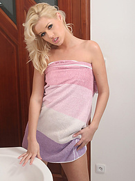 Watch as blonde Sarah strips in the bathroom pictures at nastyadult.info