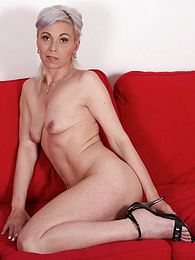 Grey haired mature babe Kathy White plays with her pussy pictures at find-best-lingerie.com