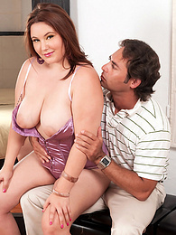 Tubesteak For A Topheavy Texan pictures at kilovideos.com