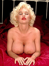 SaRenna As Norma Jean pictures at find-best-pussy.com