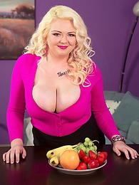 Fruit Of The Boobs pictures at kilogirls.com