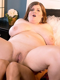 Ride Her Curves pictures at kilovideos.com