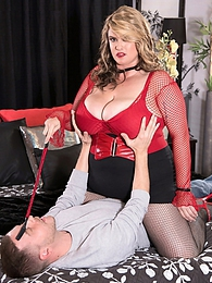 Mistress Kimmie pictures at kilogirls.com