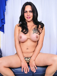 Stunner Penelope Jolie Posing Horny pictures at find-best-mature.com