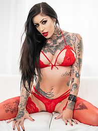 Tattooed Big Tits Janey Doe Goes POV 4k Pics - her big juggs bounce as she uses her filthy mouth to talk dirty pictures