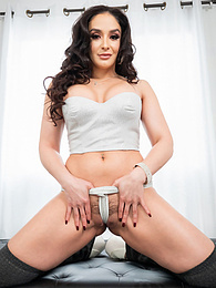Sheena Ryder Glam Gonzo 4k P - throats down a cock with no regard for breathing air pictures at find-best-panties.com