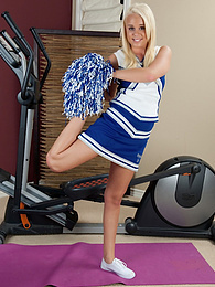 Blonde cheerleader Alexis Adams shows off her flexibility pictures at find-best-lingerie.com