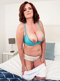 Andi James is a horny 50PlusMILF pictures at kilomatures.com