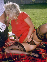 Blonde chick has a picnic and it turns into a hairy fuckfest pictures at kilomatures.com