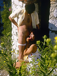 Amazing collection of outdoor retro pictures with nice girls pictures at kilopills.com