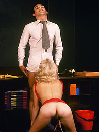 This blonde lady has a really nice juicy ass to play with pictures at kilovideos.com