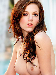 Young Kiera Winters is both beautiful and possesses a super hot body pictures at freekilosex.com