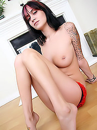 Tender tits with pierced nipples - see them in close-up on this babe pictures at find-best-mature.com