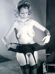 Vintage pinup girls in the nude pictures at kilovideos.com
