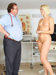 Medical porn with sexy pissing pictures at kilogirls.com