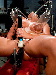 Great smile on dildo machine girl pictures