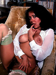 Hot retro natural tits brunette pictures