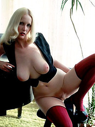 Great titties on natural blonde pictures