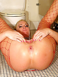 Flower Tucci is a squirter pictures at kilogirls.com