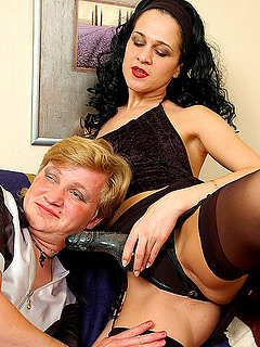 Free Strap-on Sex Pictures and Free Strap-on Porn Movies