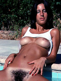 Retro girl swims naked pictures