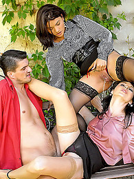 Babes in blouses pissing sex pictures