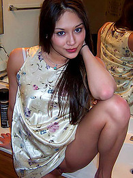 Asian girlfriends in amateur shots pictures at freekiloclips.com