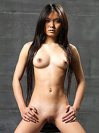 Slender and shaved Asian beauty pictures