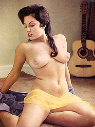 Solo vintage naked beauties pictures