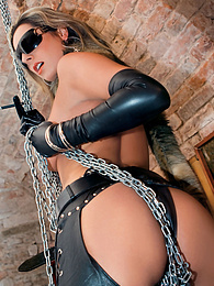 Cute Blonde Daria Glower Plays With a Cock, Chains and Anal pictures at freekiloclips.com