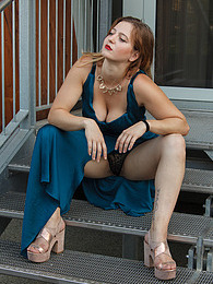 Sera Rossini In New Age Italy pictures