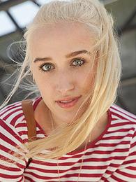 Robin Medina I Said Blonde pictures