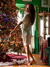 Delia Castillo Xmas Mornin pictures at freekiloclips.com