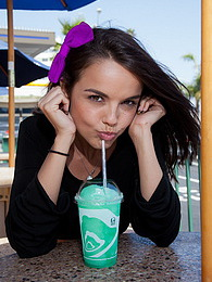 Dillion Harper Little Squirt pictures
