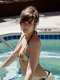 Free Pool Sex Pictures and Free Pool Porn Movies