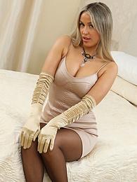Blondie Rose from OnlySilkAndSatin wearing leggings over sheer stockings pictures at freekilomovies.com