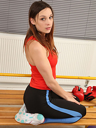 Jo E from Only-Sportswear in the locker room in yoga pants pictures at freekilomovies.com