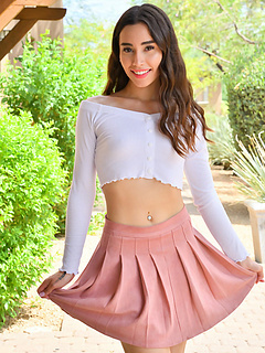 Free Skirt Sex Pictures and Free Skirt Porn Movies