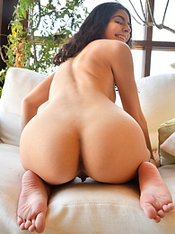 Paola II - deep penetration pictures