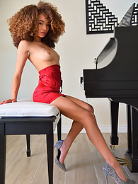 Cecilia - fashionable in red pictures at freekiloclips.com